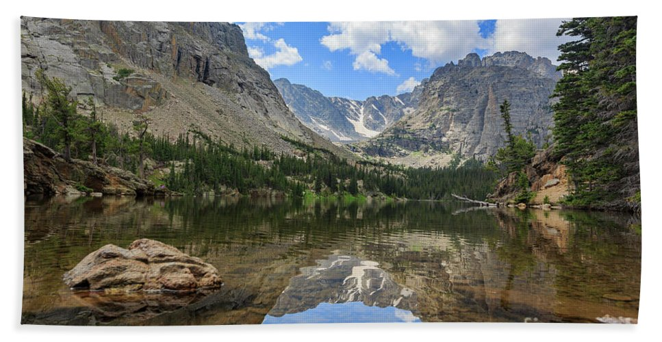 Colorado Hand Towel featuring the photograph The Beautiful The Louch Lake With Reflection And Clear Water by Chon Kit Leong