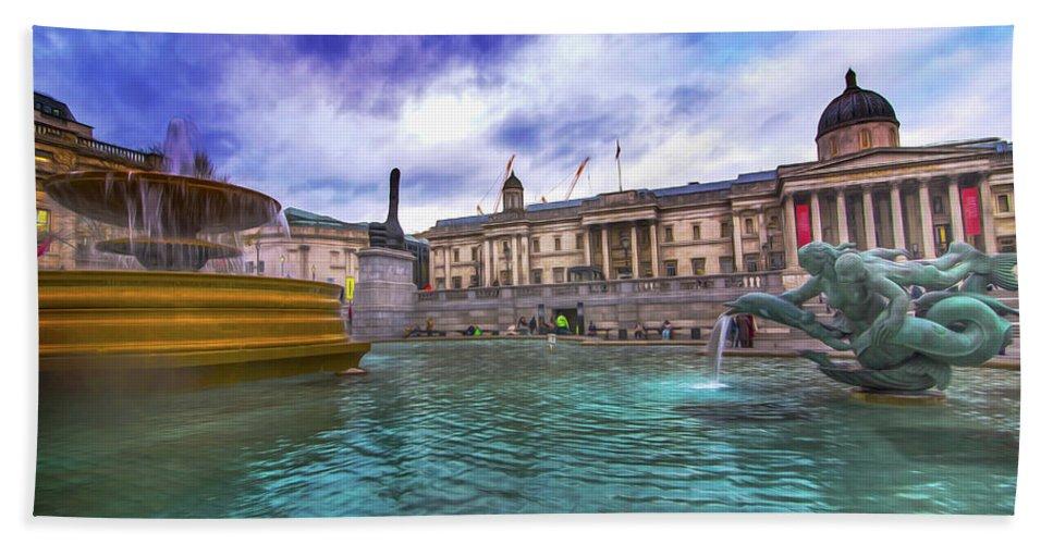 Street Artist Hand Towel featuring the photograph Trafalgar Square Fountain London 5 Art B by Alex Art and Photo
