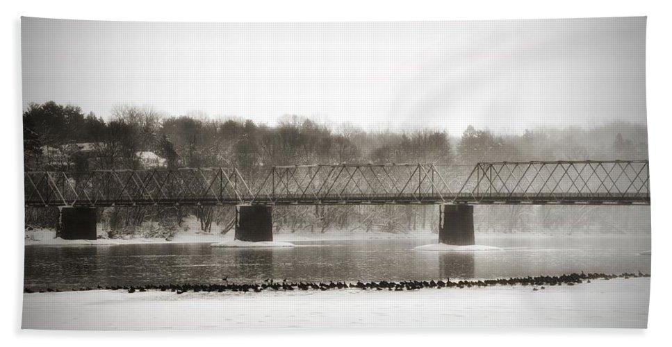 Washington's Crossing Bath Sheet featuring the photograph Washingtons Crossing Bridge by Bill Cannon