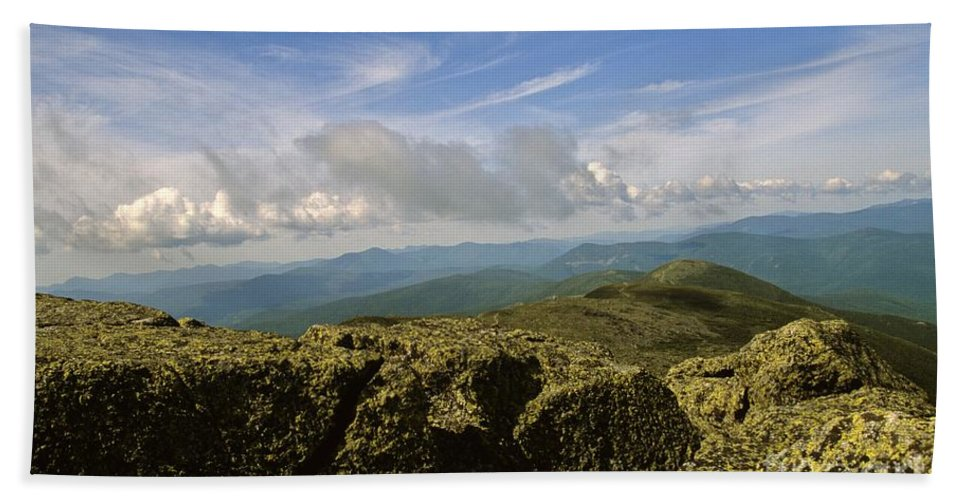 Appalachian Trail Bath Towel featuring the photograph White Mountain National Forest - New Hampshire Usa by Erin Paul Donovan
