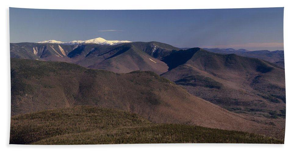 Appalachian Trail Bath Towel featuring the photograph White Mountains Nh Usa by Erin Paul Donovan