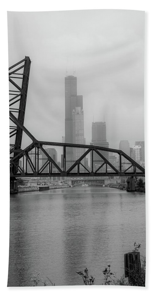Chicago Hand Towel featuring the photograph Willis Tower In Fog by Anthony Doudt