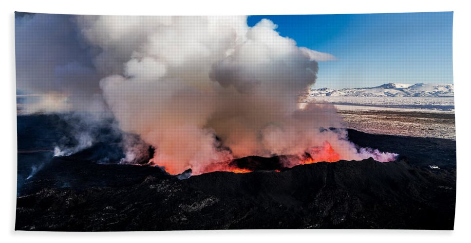 Photography Bath Sheet featuring the photograph Volcano Eruption At The Holuhraun by Panoramic Images
