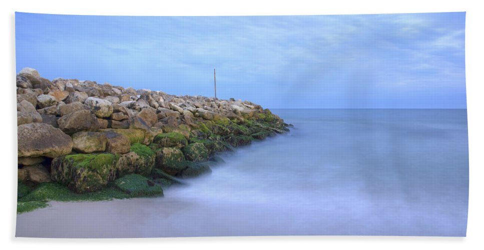 Highcliffe Hand Towel featuring the photograph Highcliffe Beach In Dorset by Ian Middleton