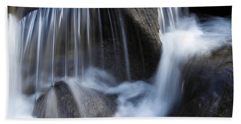 Beautiful Bath Towel featuring the photograph Water Flowing by Les Cunliffe