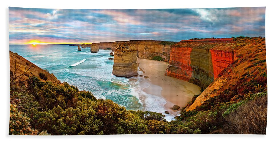 12 Apostles Bath Towel featuring the photograph 12 Apostle Sunset 12 by Az Jackson