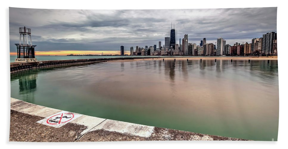 Chicago Hand Towel featuring the photograph 1323 A View From The Breakwall by Steve Sturgill