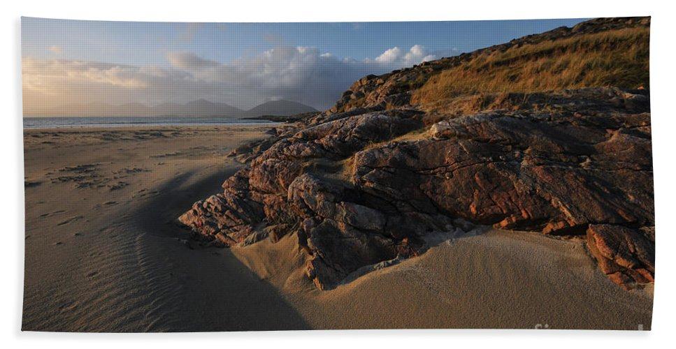 Luskentyre Beach Bath Towel featuring the photograph Luskentyre by Smart Aviation