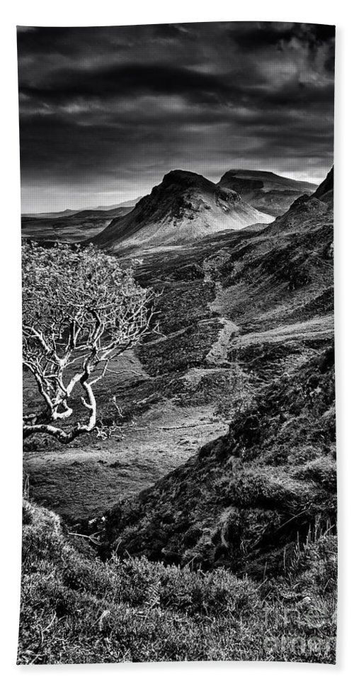Quiraing Hand Towel featuring the photograph The Quiraing by Smart Aviation