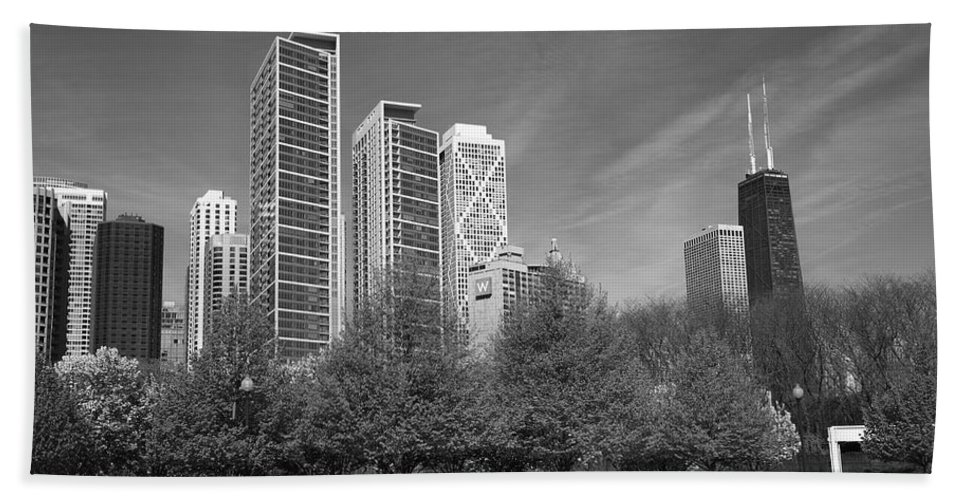 America Hand Towel featuring the photograph Chicago Skyline by Frank Romeo
