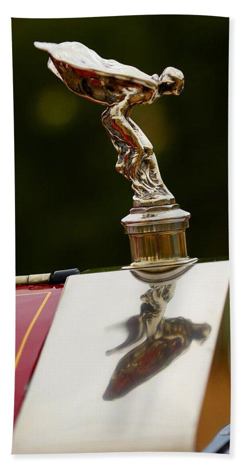 Classic Car Bath Towel featuring the photograph 1928 Rolls-royce Phantom 1 Hood Ornament by Jill Reger