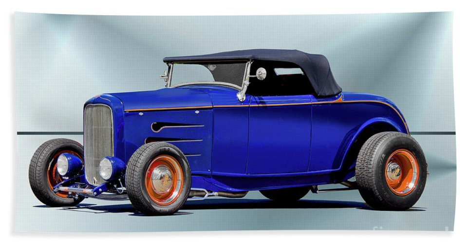 Auto Bath Sheet featuring the photograph 1932 Ford 'classic Hiboy' Roadster Xa by Dave Koontz