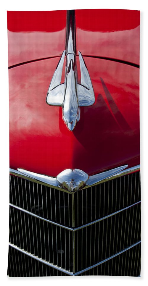 1933 Oldsmobile Hand Towel featuring the photograph 1933 Oldsmobile Hood Ornament by Jill Reger
