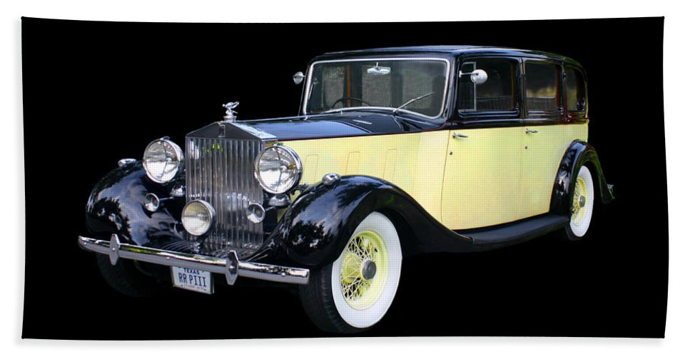 1941 Rolls-royce Phantom Iii Hand Towel featuring the photograph 1941 Rolls-royce Phantom I I I by Jack Pumphrey