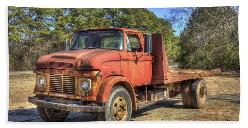 Reid Callaway 1965 Ford F600 Hand Towel featuring the photograph 1965 Ford F600 Snub Nose Commercial Truck by Reid Callaway