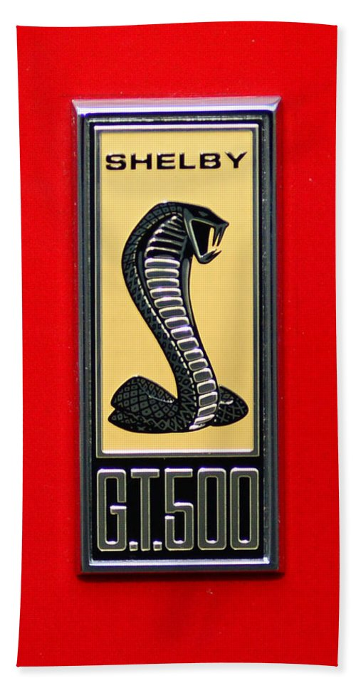 1967 Ford Shelby Gt 500 Cobra Fender Emblem On Red Hand Towel featuring the photograph 1967 Ford Shelby Gt 500 Cobra Fender Emblem On Red by Paul Ward