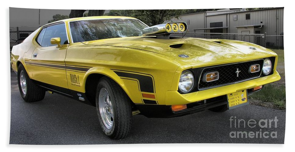 Classic Cars Bath Sheet featuring the photograph 1972 Ford Mustang Mach 1 by Richard Rizzo