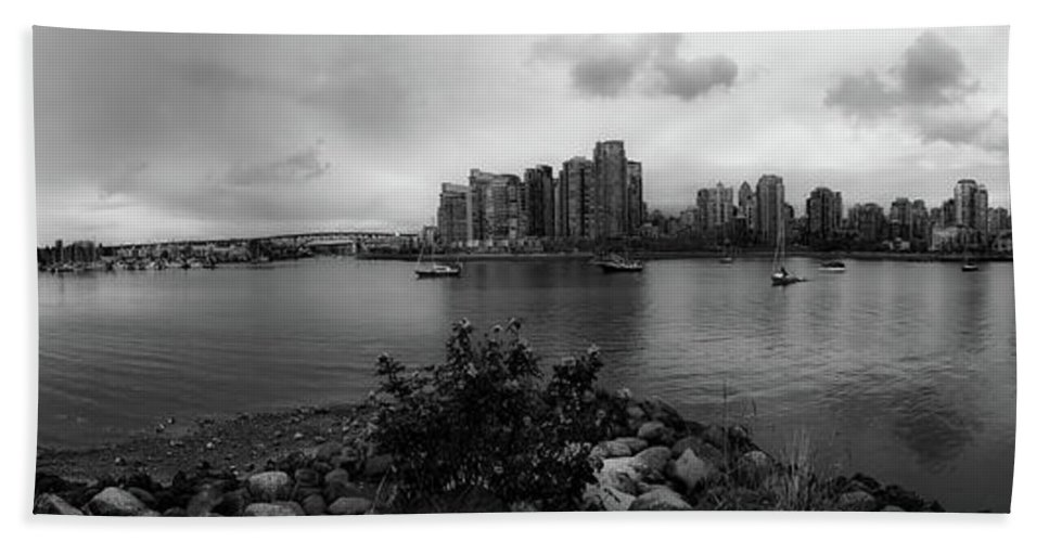 Vancouver Hand Towel featuring the photograph A View Of Vancouver by Pixabay