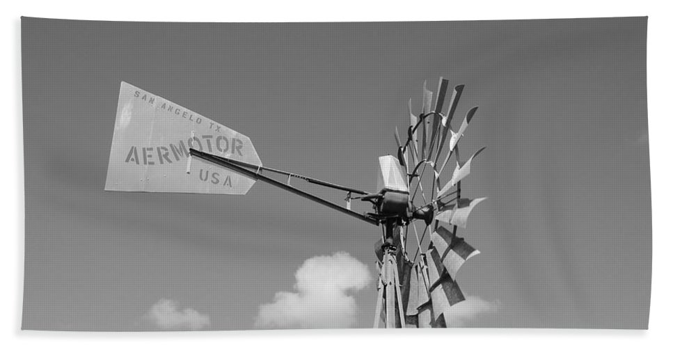 Black And White Hand Towel featuring the photograph Aermotor Windmill by Rob Hans
