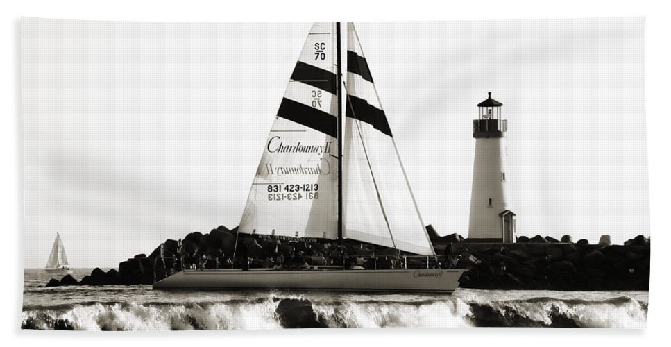 Santa Cruz Hand Towel featuring the photograph 2 Boats Approach 2 by Marilyn Hunt