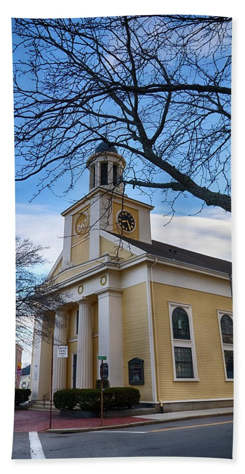 #jefffolger Bath Sheet featuring the photograph First Parish Church Beverly Ma by Jeff Folger