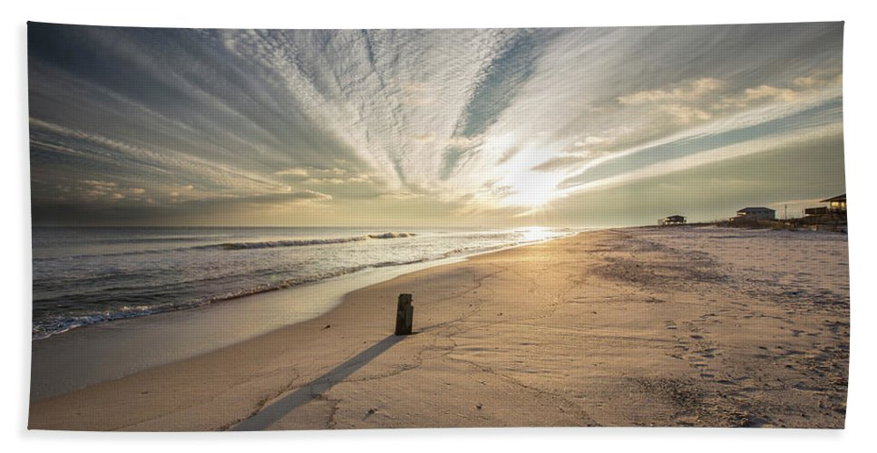 Gulf Shores Sunset Hand Towel featuring the photograph Gulf Shores Sunset by Zane Isaac