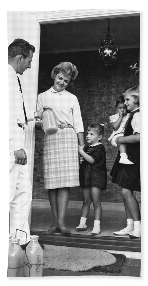 1950's Hand Towel featuring the photograph Milkman Home Delivery by Underwood Archives