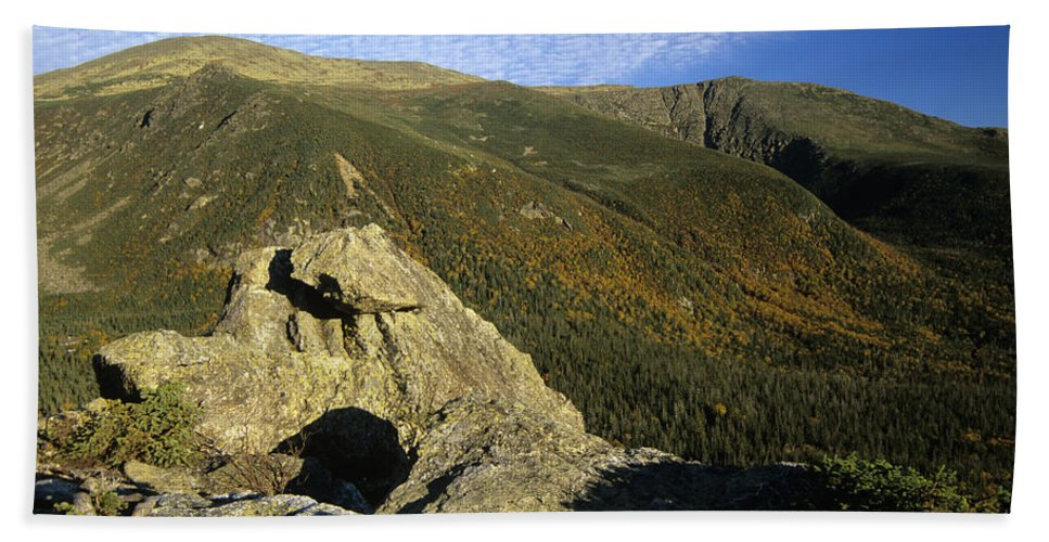 Mount Washington Bath Towel featuring the photograph Mount Washington - New Hampshire Usa by Erin Paul Donovan
