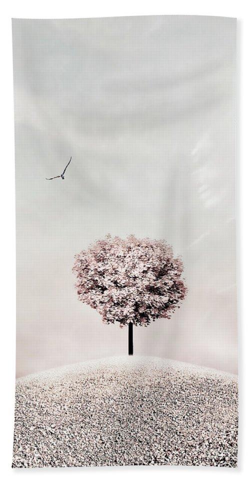 Photodream Bath Towel featuring the photograph Still by Jacky Gerritsen