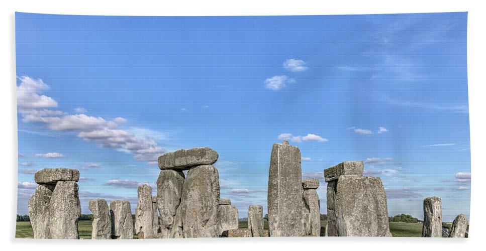 Stonehenge Hand Towel featuring the photograph Stonehenge - England by Joana Kruse