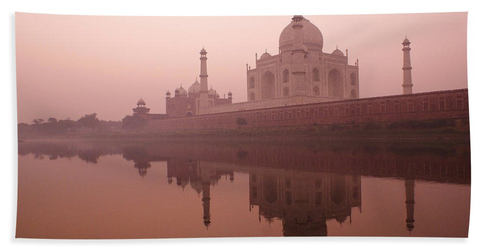 Taj Mahal Bath Towel featuring the photograph Taj Mahal At Dawn by Michele Burgess