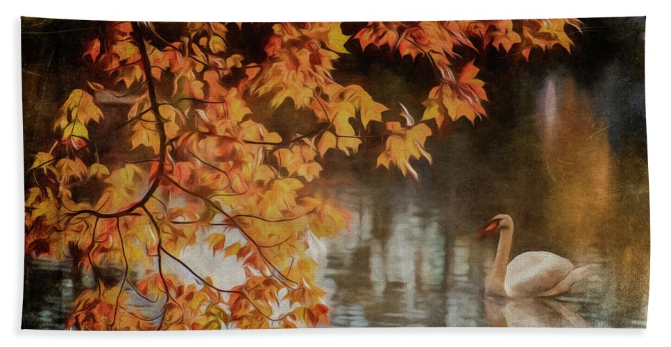 Swan Hand Towel featuring the photograph The Swan by Cathy Kovarik