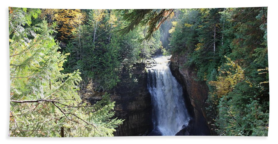 Water Bath Towel featuring the photograph Waterfall by Brenda Ackerman