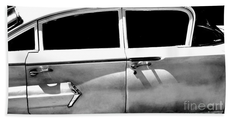 classic Cars Bath Towel featuring the photograph Biscayne by Amanda Barcon