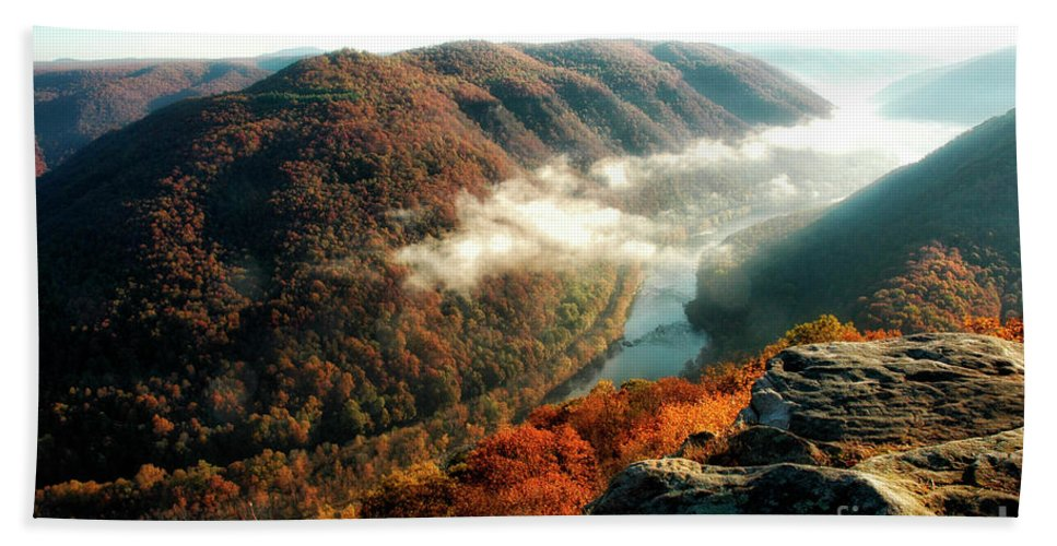 New River Gorge Hand Towel featuring the photograph Grandview New River Gorge by Thomas R Fletcher