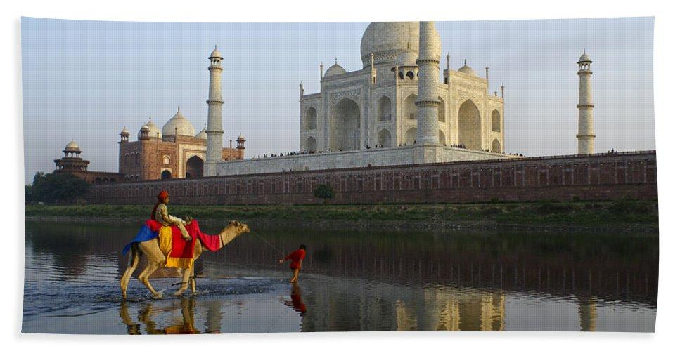 Taj Mahal Hand Towel featuring the photograph India's Taj Mahal by Michele Burgess