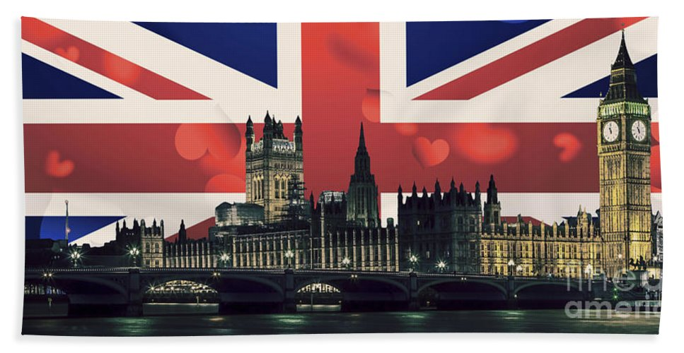 Southwark Hand Towel featuring the photograph London Cityscape With Big Ben by Sebastien Coell