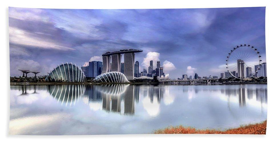 Travel Bath Sheet featuring the photograph Marina Bay by Jijo George