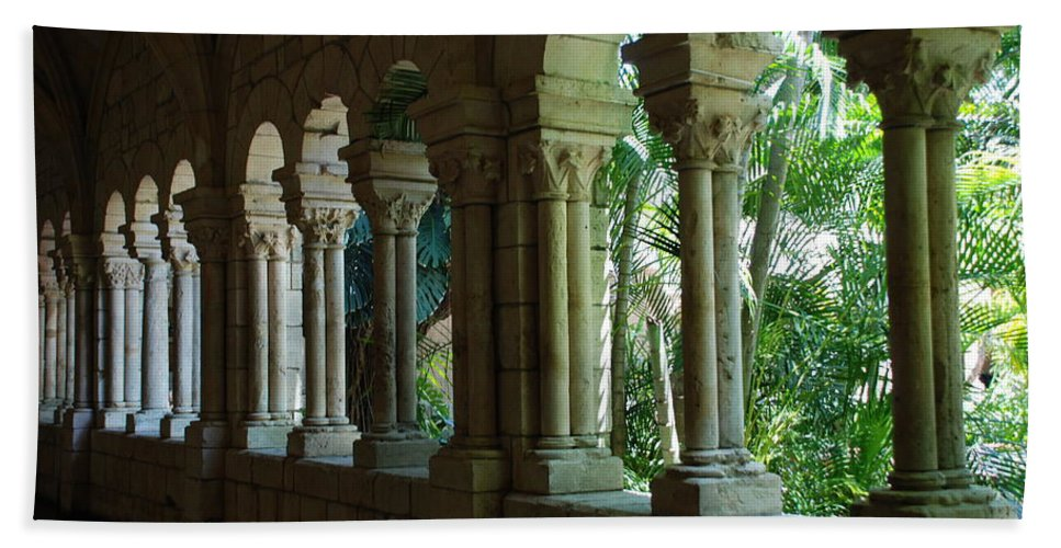 Architecture Bath Towel featuring the photograph Miami Monastery by Rob Hans