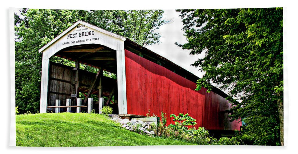Neet Hand Towel featuring the photograph Neet Covered Bridge by Margie Wildblood