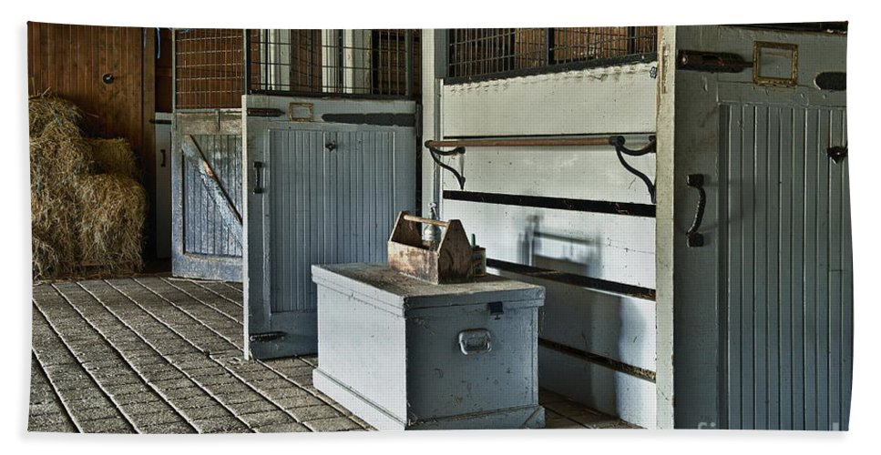 Chester County Bath Towel featuring the photograph Rustic Stable by John Greim