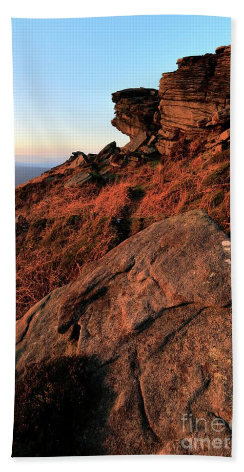 Stanage Edge Hand Towel featuring the photograph The Gritstone Rock Formations On Stanage Edge by Dave Porter