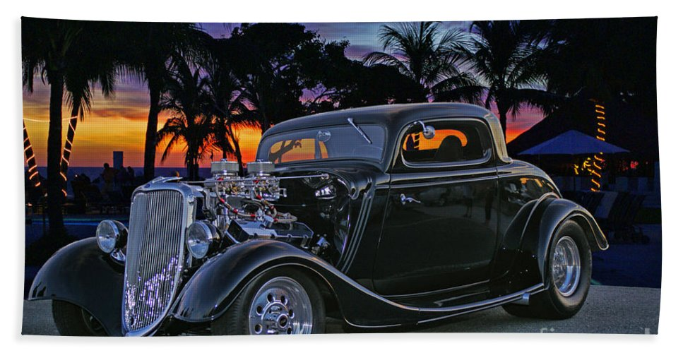 Cars Hand Towel featuring the photograph 33 Ford On The Mexico Beach by Randy Harris