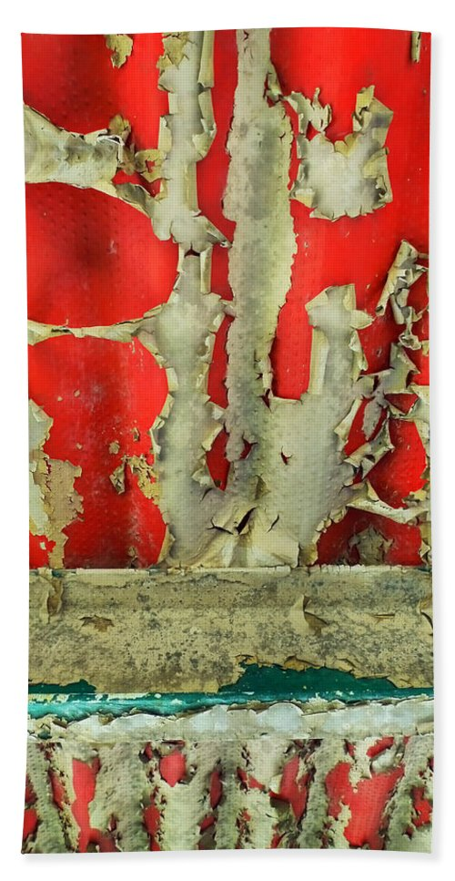 Abstract Bath Sheet featuring the photograph 377 at 41 Series 3 by Skip Hunt