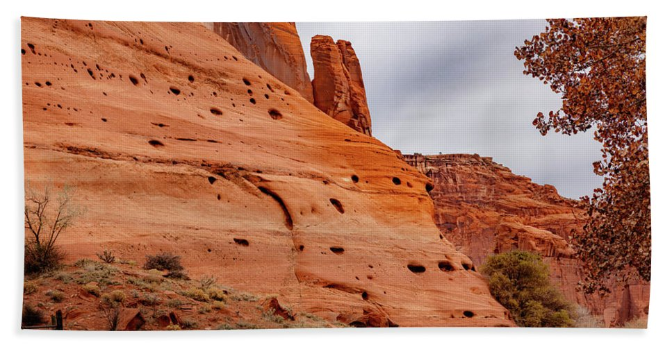 Canyon De Chelly Bath Sheet featuring the photograph Canyon De Chelly by Mike Penney