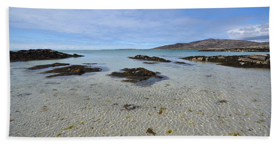 Eriskay Bath Towel featuring the photograph Eriskay by Smart Aviation