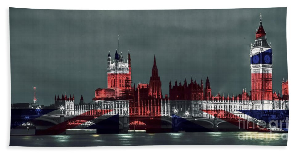 Westminster Hand Towel featuring the photograph London Cityscape With Big Ben by Sebastien Coell