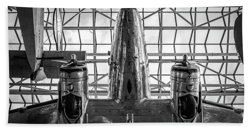 Hand Towel featuring the photograph 4242- Airplane by David Lange