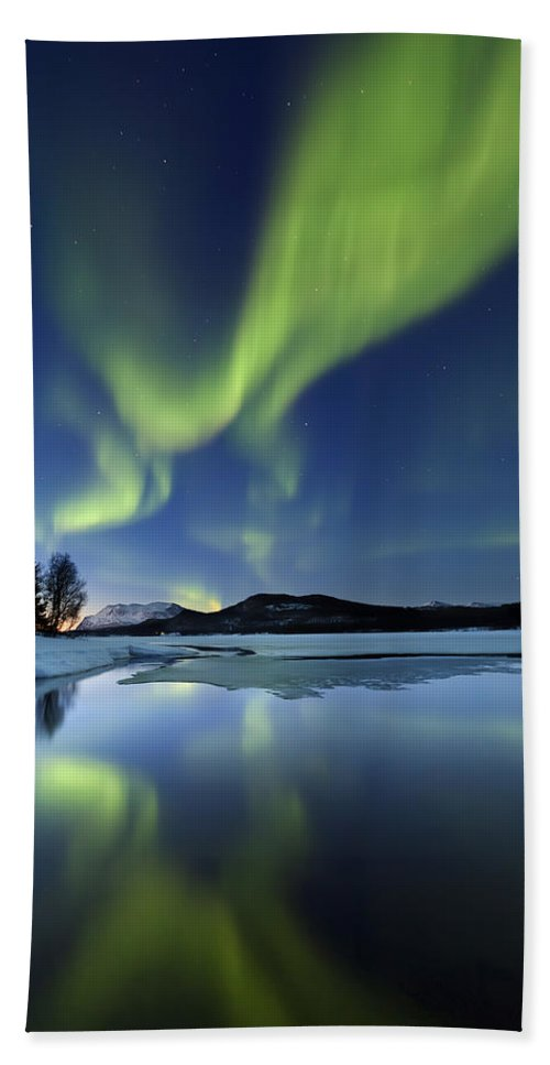Aurora Borealis Hand Towel featuring the photograph Aurora Borealis Over Sandvannet Lake by Arild Heitmann