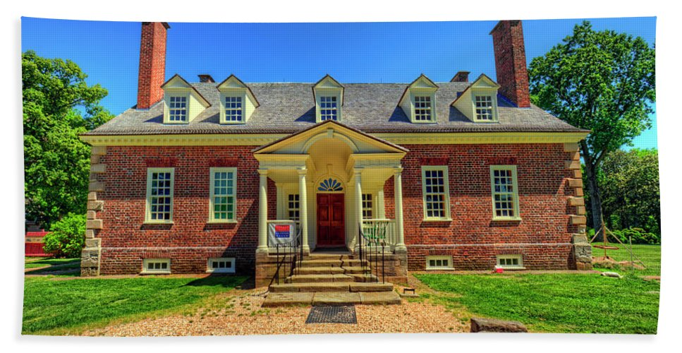 Gunston Hall Hand Towel featuring the photograph George Mason's Gunston Hall by Craig Fildes